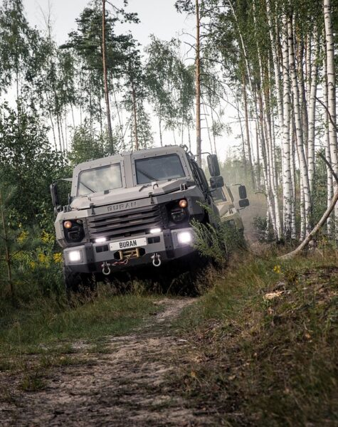 armored-car-5265888_1280